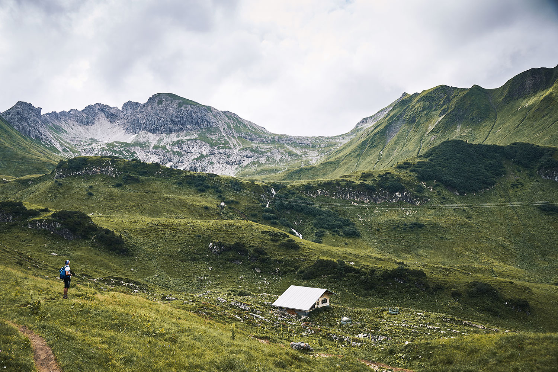 Lake Schrecksee hike, private cabin