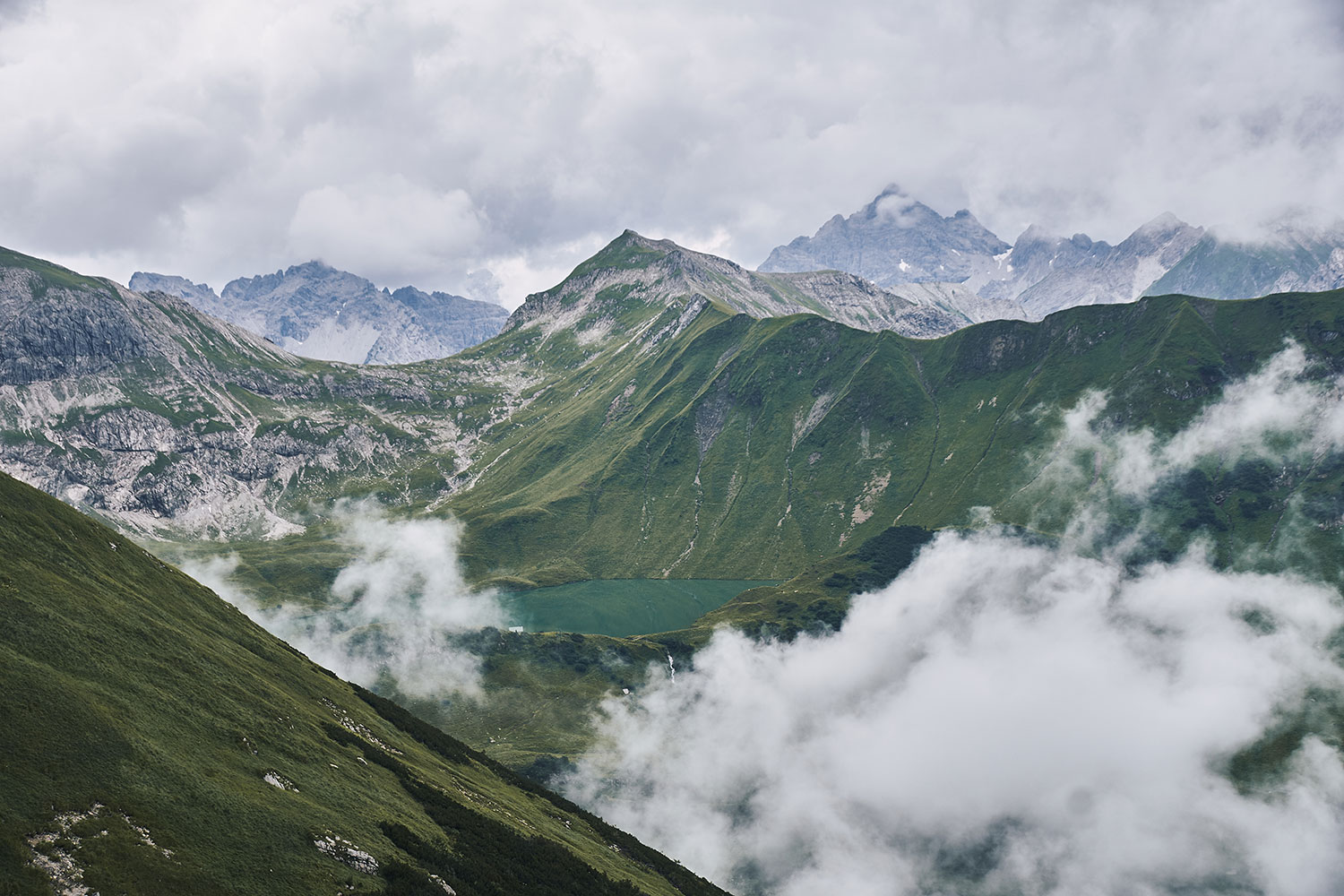 Lake Schrecksee hike, view from path to Rauhhorn