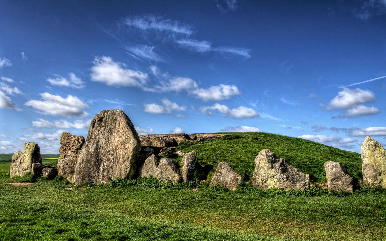 West Kennet Long Barrow, Wiltshire