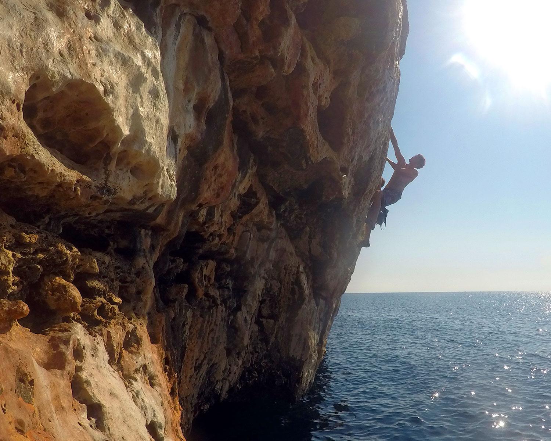Deep-water solo climbing, Mallorca