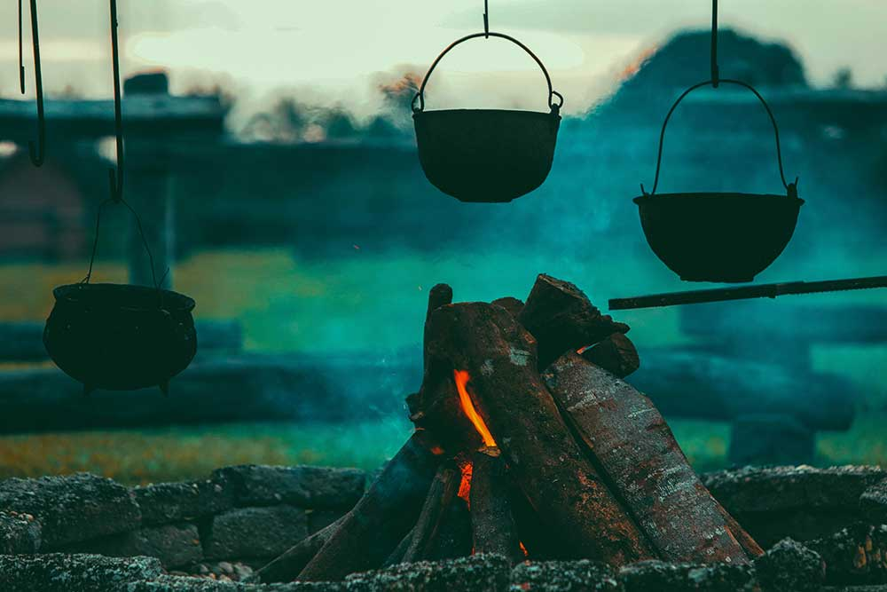 Dutch oven, camp cooking